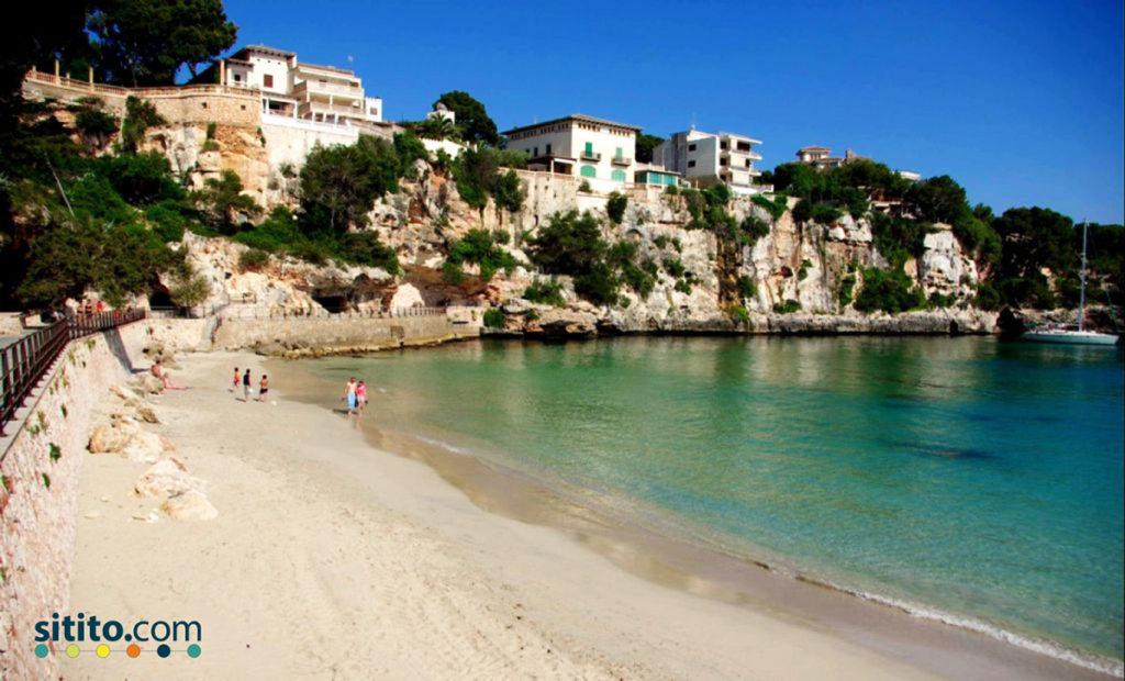 Playa-del-Cristo-Estepone-Sitito-mejores playas de la Costa del Sol occidental